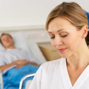 bachillerato-en-enfermeria-se-una-enfermera-salud-mental