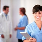 Conoce la importancia de las enfermeras en la fertilidad. Ayuda a mujeres a cumplir el sueño de ser mamás por medio de la reproducción asistida.